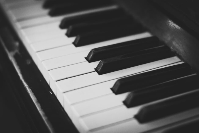 An image of piano keys